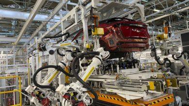 تصویر از استفاده از رباتها در تولید قطعات پیچیده خودروی نیسان